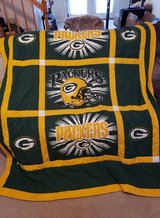 GREEN BAY PACKER COMFORTER AND SHEET SET in Fort Campbell, Kentucky