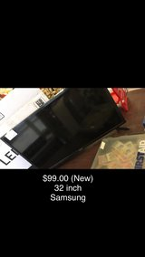 TV - 32 inches (Samsung) New in Fort Leonard Wood, Missouri