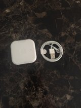 apple Headphones and iphone/ipad Charger in Naperville, Illinois