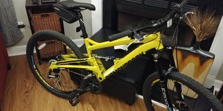 REDUCED AGAIN! - Mountain Bike Mens / Medium Diamondback Full in Camp Lejeune, North Carolina