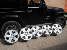 Set of 5 JEEP 18 inch Wheels with TPMS in Alamogordo, New Mexico