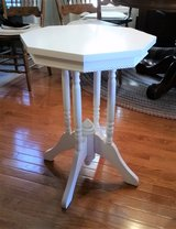 Table-painted antique in Fort Campbell, Kentucky