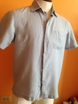 Banana Republic young men's linen shirt in Naperville, Illinois
