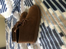 Never worn boys Ugg boots size 1 in Okinawa, Japan