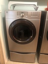 Washer and dryer in Baytown, Texas