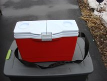 RUBBERMAID INSULATED COOLER in St. Charles, Illinois