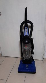Bissell Bagless Vacuum 110V in Ramstein, Germany