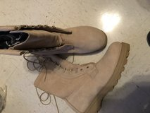 Cold weather boot size 10 NEW in Fort Campbell, Kentucky