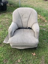 """RV Furniture swivel chair with mount. no rips, stains, or smells. Chair is 36"""" tall by 27"""" wide in Warner Robins, Georgia"""