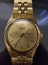 I pay cash for broken watches running or not in Miramar, California