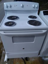 Like New GE Stove in Camp Lejeune, North Carolina