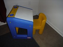 Little Tikes Desk & Chair in Camp Lejeune, North Carolina