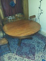 Antique Table and 6 chairs in Alamogordo, New Mexico