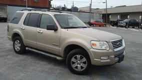 2007 Ford Explorer...3rd row seating!!! in Fort Campbell, Kentucky
