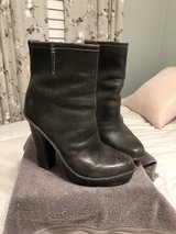 FRYE VICTORIAS BOOTS - SIZE 8m in Chicago, Illinois