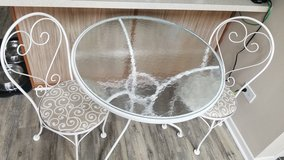 Elegant Indoor/ Outdoor Table Set in Naperville, Illinois