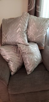 4,  silver  pillows. in Conroe, Texas