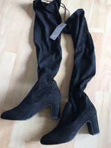 NEW Black faux suede boots UK size 6 in Lakenheath, UK