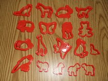 18 pc Animal cookie cutters in Naperville, Illinois