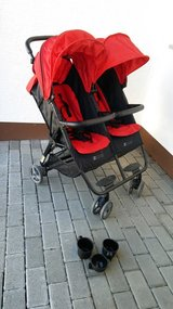 ZOE Baby Twin Tandem Double Stroller B/O in Ramstein, Germany