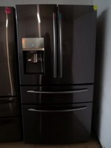SAMSUNG 4-DOOR FRENCH STYLE REFRIGERATOR in Fort Bragg, North Carolina