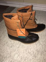 Size 6 US water boots duck boots rain shoes rain boots in Okinawa, Japan