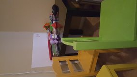 Table and 4 chairs in Glendale Heights, Illinois