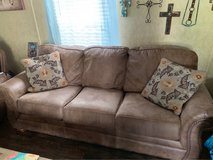 Beautiful couch set in Cleveland, Texas