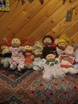 VINTAGE ORIGINAL CABBAGE PATCH DOLLS in Yucca Valley, California