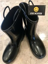 Brand New w/ tag Unisex Rainboot Size Youth3 in Okinawa, Japan
