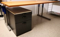 high qulity office table with drawer cabinet in Stuttgart, GE