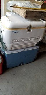 Rubbermaid Blue & White Wheeled Cooler #1207-338 in Camp Lejeune, North Carolina