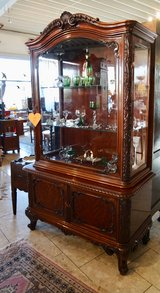elegant display cabinet with bevelled glass in Spangdahlem, Germany