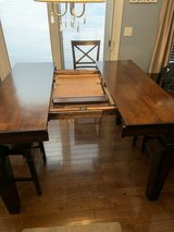 9 pc counter height table in Lockport, Illinois
