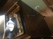 Victor antique 1906? VV XI Victor Victoria Talking Machine Record Player. Beautiful piece. Multi... in Lockport, Illinois