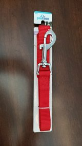6' Red Pawtown Leash in Batavia, Illinois