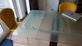 Expandable dining table in Ramstein, Germany