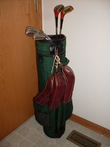 Nice set of Wilson Woman's Golf Clubs. in Oswego, Illinois