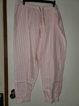Victoria's secret lounge pants in Fort Campbell, Kentucky
