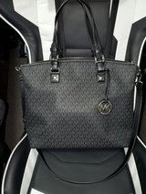 Authentic Michael Kors large satchel in Fort Campbell, Kentucky