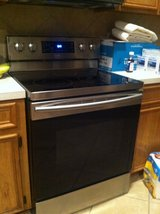 NEWER Samsung Electric Range/Convection Oven in Kingwood, Texas