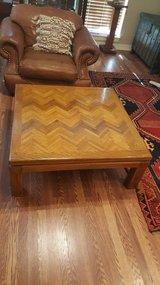 SOLID OAK WOOD INLAID PATTERN COFFEE TABLE. in Houston, Texas