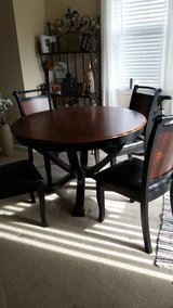 Price reduced -- Dining table and 4 chairs in Spring, Texas