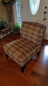 Like NEW!! Pier 1 Accent Chair in Fort Campbell, Kentucky