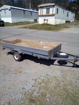 4x8 trailer in Fort Campbell, Kentucky