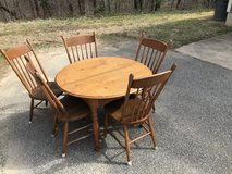Solid Oak Antique Table and 5 Chairs in Quantico, Virginia