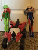 Action figures: Harley Quinn/Poison Ivy/bike in Tacoma, Washington