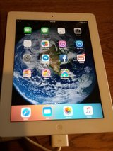 NICE IPAD 2 WIFI 9.7 WITH CHARGER in Clarksville, Tennessee