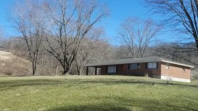 Big Beautiful Country Home minutes from I-44, 3 bed 2bath in Fort Leonard Wood, Missouri