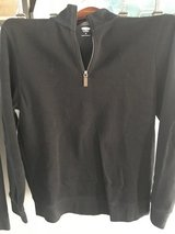 Old navy black half zip M in Naperville, Illinois